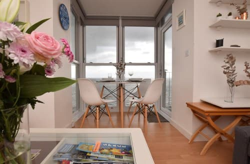 Last Minute Cottages - Adorable Ilfracombe Apartment S96907