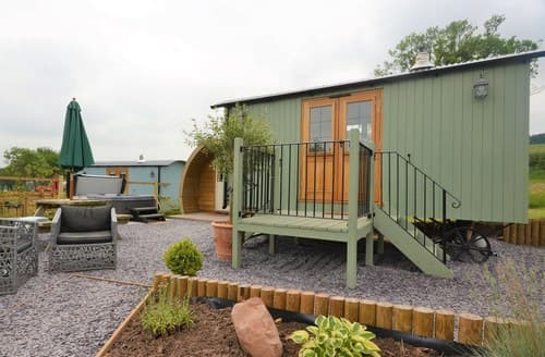 Last Minute Cottages - Cosy Abergavenny Log Cabin S96857