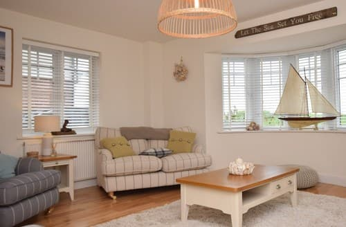 Last Minute Cottages - Inviting Colchester House S78847
