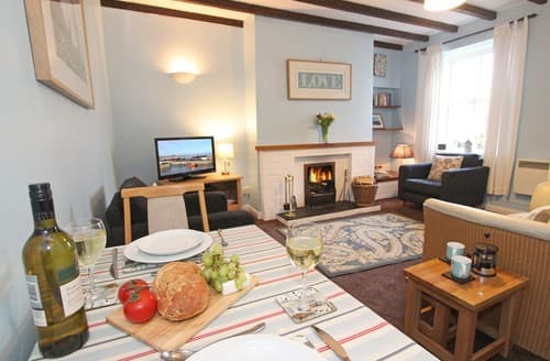 Last Minute Cottages - Lovely Seahouses Cottage S97902