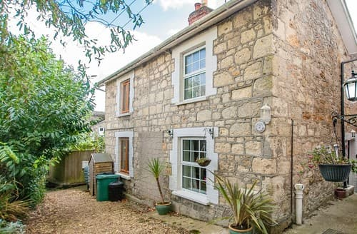 Last Minute Cottages - Inviting Shanklin Cottage S101373