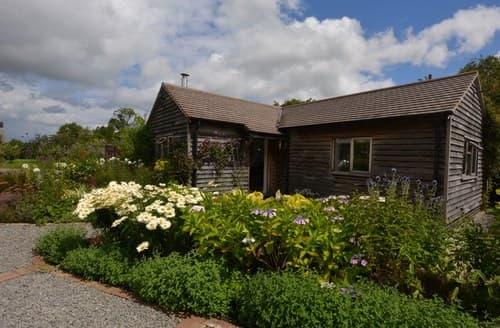 Last Minute Cottages - Delightful Studley Cottage S84516