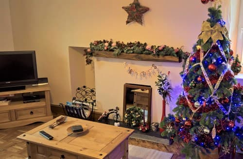 Last Minute Cottages - Inviting Lampeter Cottage S7526