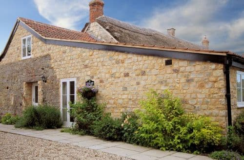 Last Minute Cottages - Luxury Taunton Barn S7719