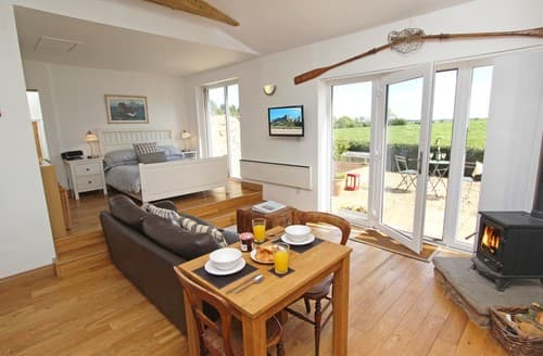 Last Minute Cottages - Cosy Belford Cottage S97930