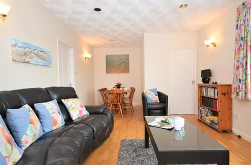 Last Minute Cottages - Quaint Torpoint Apartment S12609