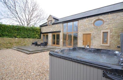 Last Minute Cottages - Luxury Bath Barn S73025
