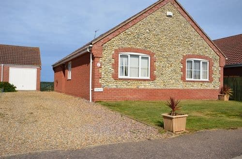 Last Minute Cottages - Inviting Norwich Bungalow S7552