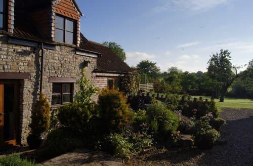 Last Minute Cottages - Luxury Wedmore Barn S81025