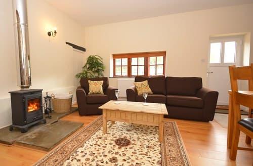 Last Minute Cottages - Attractive Llandeilo Barn S86413