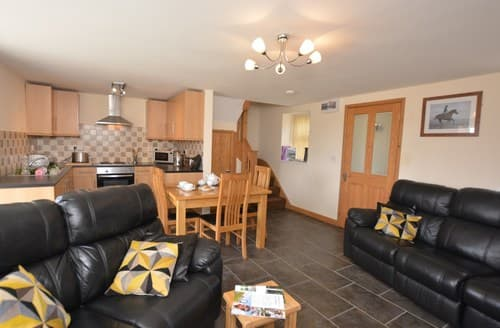 Last Minute Cottages - Attractive Swansea House S85481