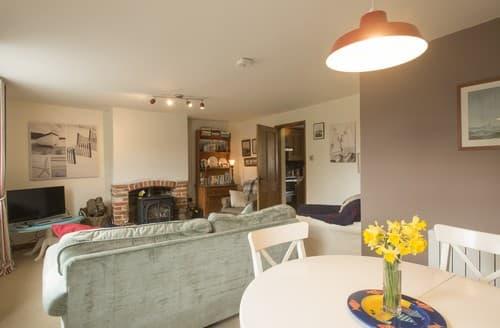 Last Minute Cottages - Stunning Paston Cottage S114534