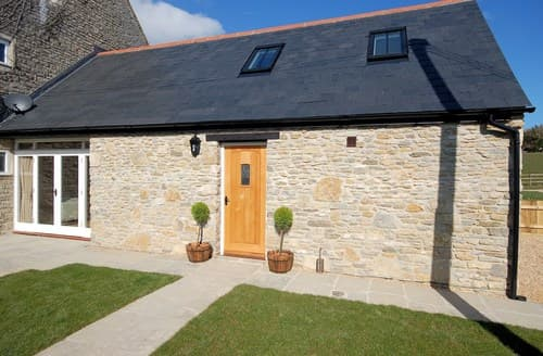 Last Minute Cottages - Lovely Weymouth Barn S8732