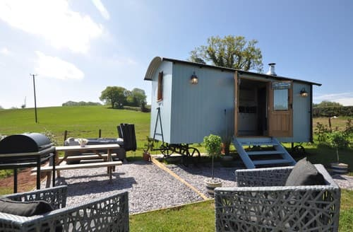 Last Minute Cottages - Captivating Abergavenny Log Cabin S96910