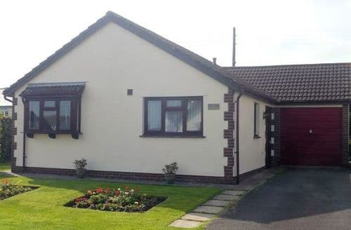 Last Minute Cottages - Luxury Bideford Bungalow S8547
