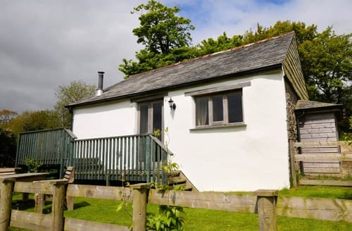 Last Minute Cottages - Gorgeous Callington Barn S8510