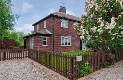 Big Cottages - Cosy York Cottage S122098