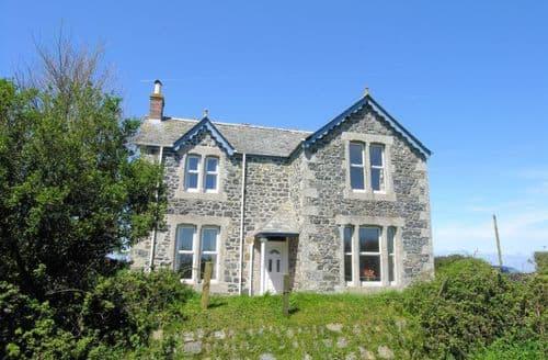 Last Minute Cottages - Wonderful Helston House S8059