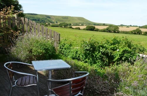 Dog Friendly Cottages - Excellent Polegate Apartment S89439