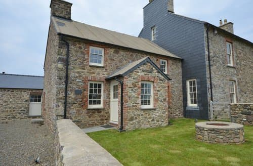 Last Minute Cottages - Quaint Haverfordwest House S122518