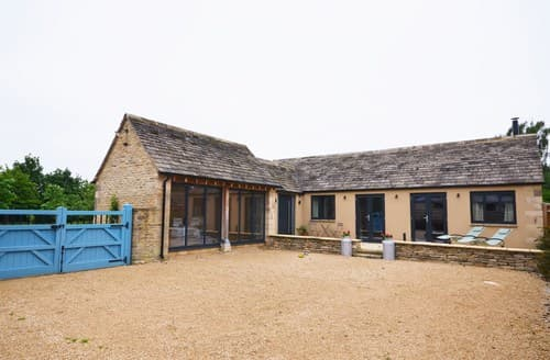 Last Minute Cottages - Charming Lechlade Barn S26124