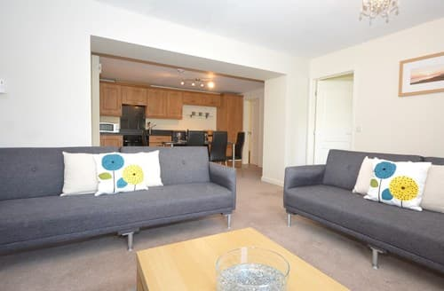 Dog Friendly Cottages - Stunning Tenby Apartment S80926