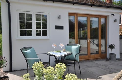 Last Minute Cottages - Lovely Banbury Barn S98865