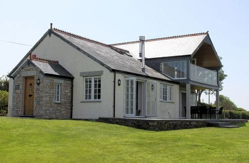 Last Minute Cottages - Stunning Camelford House S8317