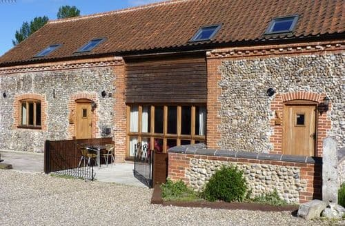 Last Minute Cottages - Excellent Norwich Barn S7554