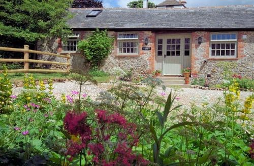 Last Minute Cottages - Luxury Axminster Barn S8758