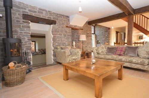 Last Minute Cottages - Lovely Abergavenny Barn S90698