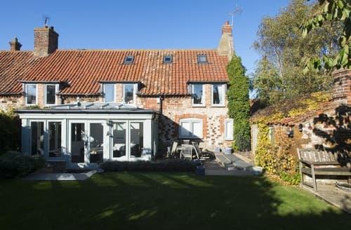 Last Minute Cottages - Cosy Old Hunstanton Cottage S114561