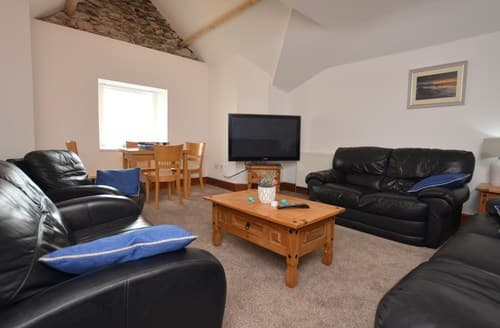 Last Minute Cottages - Adorable Caernarfon Apartment S122519