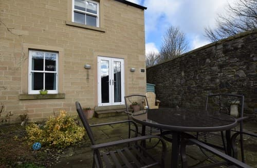 Last Minute Cottages - Adorable Bakewell Apartment S72579