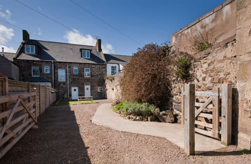 Last Minute Cottages - Gorgeous Belford House S98014