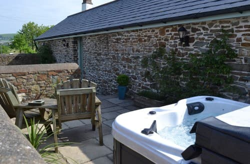 Last Minute Cottages - Quaint Barnstaple Barn S8978