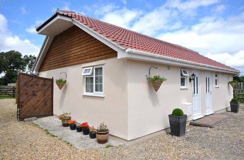 Last Minute Cottages - Charming Highbridge Cottage S8552