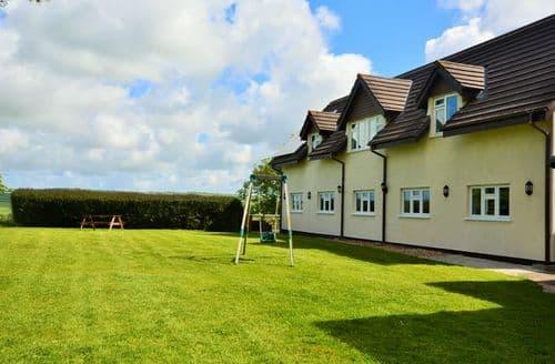 Last Minute Cottages - Splendid Barnstaple House S8878