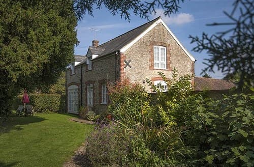 Last Minute Cottages - Beautiful Swindon House S77362