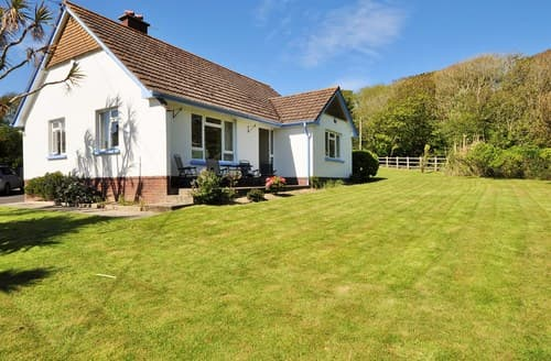 Last Minute Cottages - Tasteful Braunton Bungalow S7705