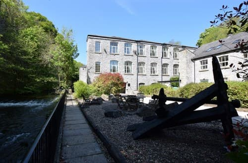 Last Minute Cottages - Lovely Millers Dale Apartment S59352
