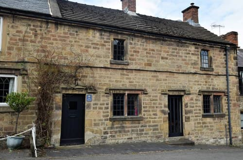 Last Minute Cottages - Cosy Winster Cottage S59039