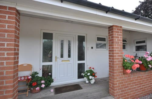 Dog Friendly Cottages - Attractive Coleford Bungalow S121096