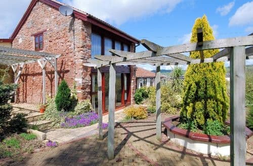 Last Minute Cottages - Exquisite Bristol Cottage S7811