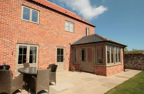 Last Minute Cottages - Lovely Burnham Deepdale House S114492