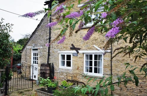 Last Minute Cottages - Cosy Lechlade Cottage S39611