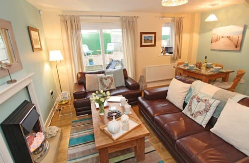 Last Minute Cottages - Lovely Seahouses Cottage S98064