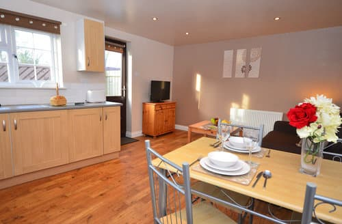 Last Minute Cottages - Attractive Highbridge Wing S8702