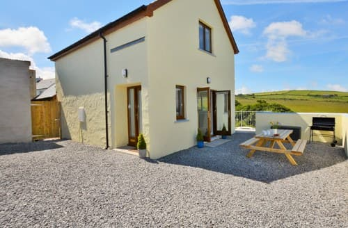 Last Minute Cottages - Lovely Cardigan Barn S50442