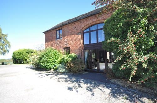 Last Minute Cottages - Excellent Lichfield Barn S122521